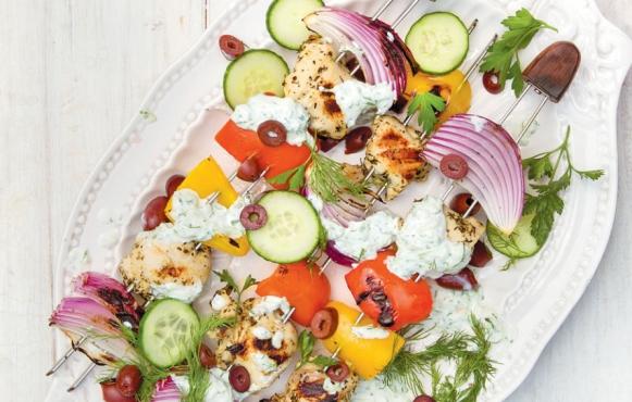 greek chicken kebabs with tzatziki