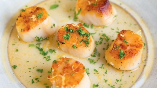 Caramelized Sea Scallops in Lemon-Butter Sauce
