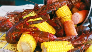 Red Claw Crawfish Boil