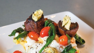 Spiced rubbed venison with buttermilk mashed potatoes